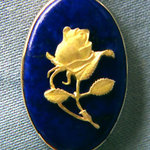 Rose Pendant Gold on Lapis